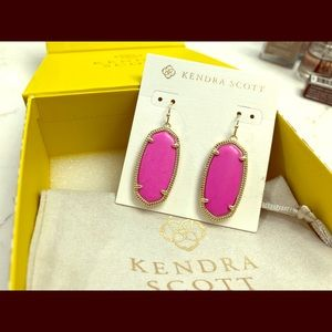 NIB Kendra Scott Elle Earrings
